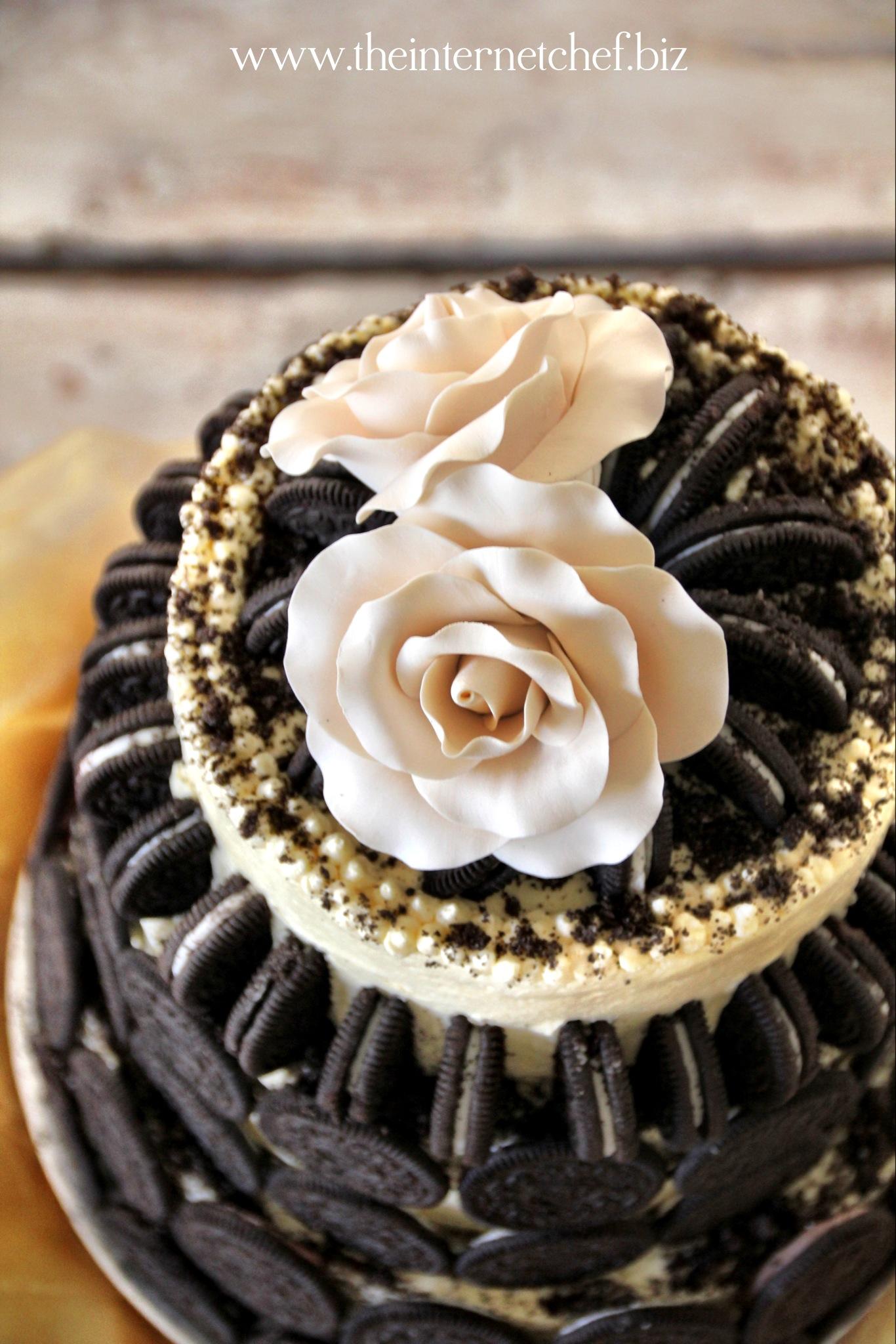 Meet The Oreo Cookie Amp Toblerone Wedding Cake The